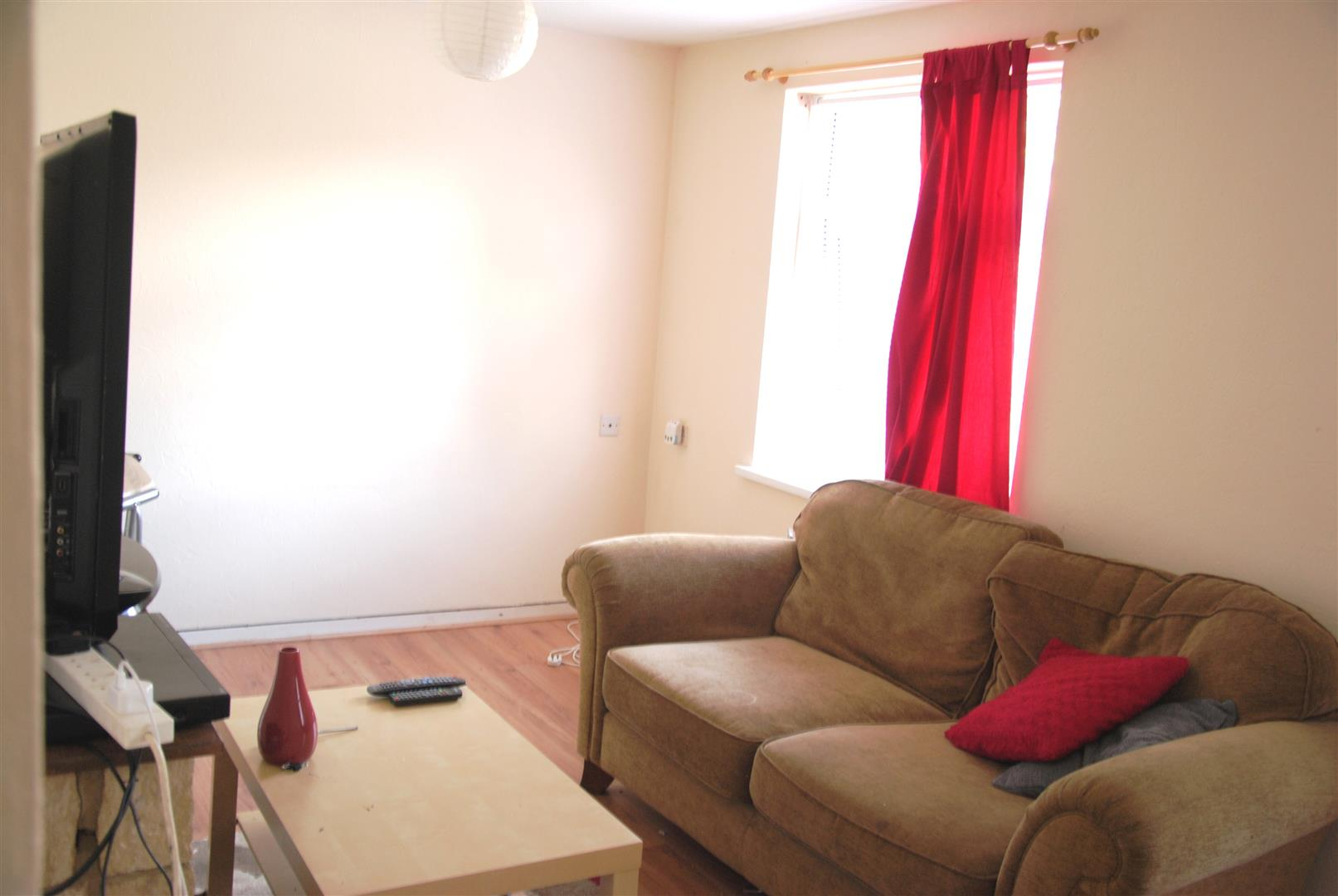 1 Bedroom Flat for sale in Kennedy Drive, Eldene, Swindon